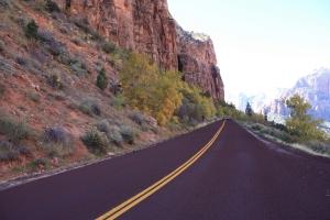 mountain-road-1424189-m