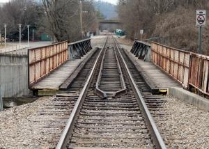 train-tracks-1438656-1-m