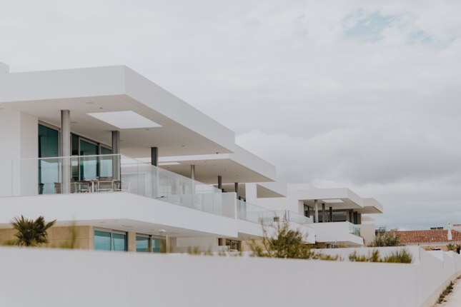 trámites e impuestos para ser agente inmobiliario