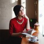 mujer, rojo, leer, lectura, pensar, pensamiento, ideas